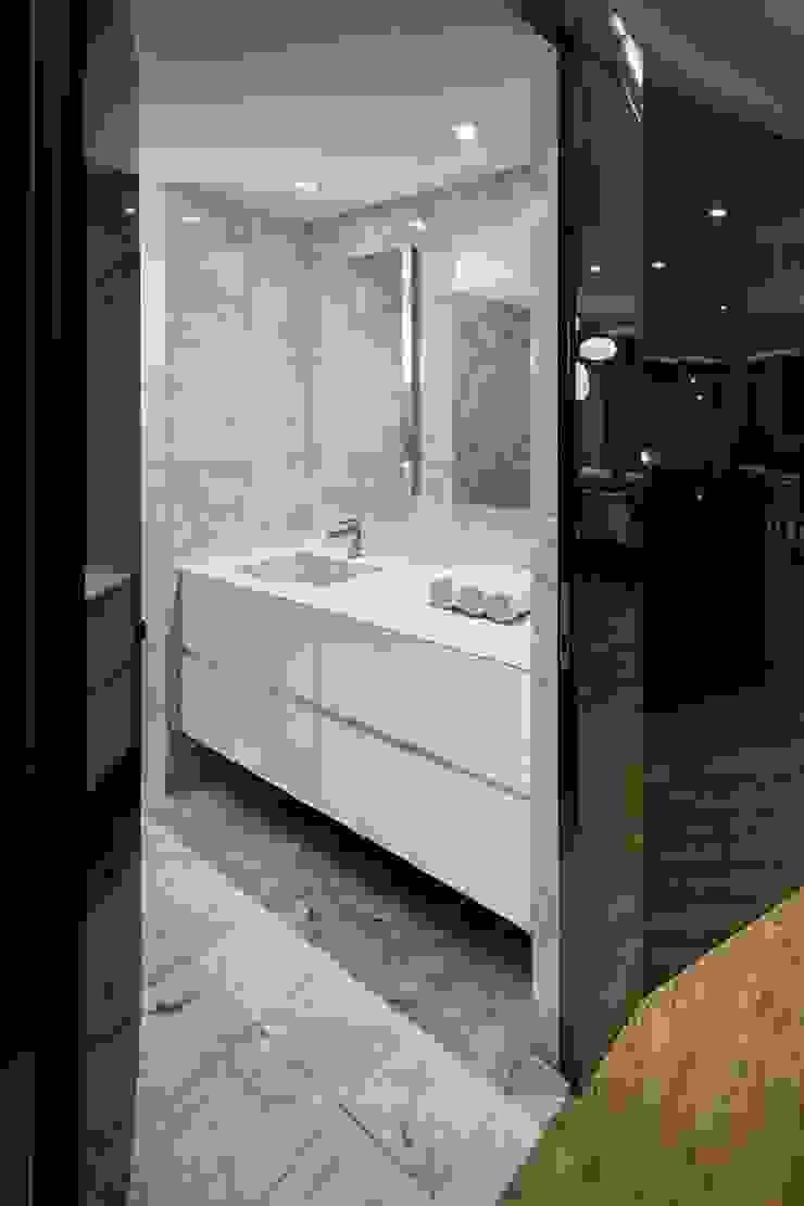 Uppern West Side Apartment-Manhatthan NYC Baños modernos de Elías Arquitectura Moderno