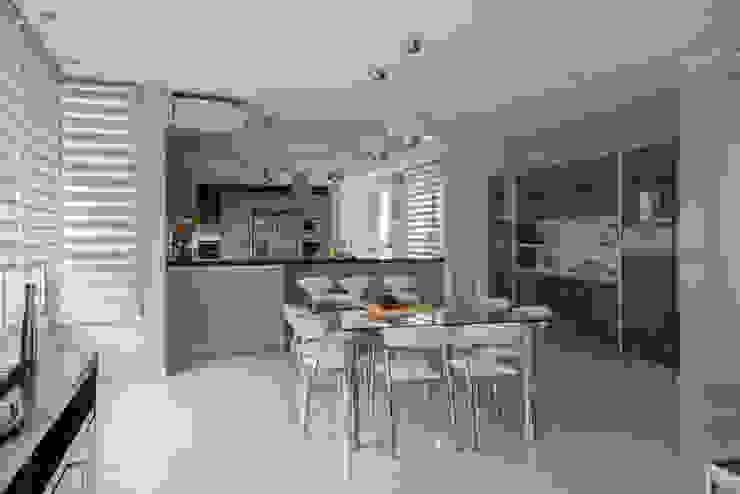 ห้องครัว โดย Saez Sanchez. Arquitectos, โมเดิร์น