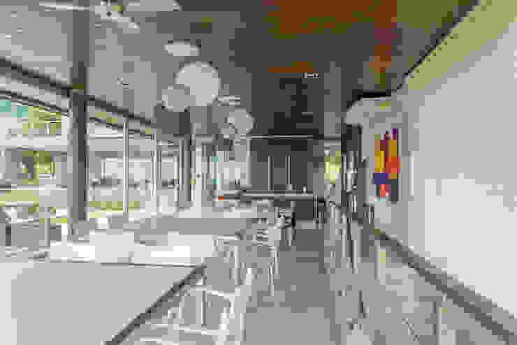 Cocinas de estilo moderno de Saez Sanchez. Arquitectos Moderno