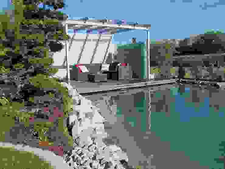 Podest über Wasser mit Beleuchtung Moderner Garten von homify Modern