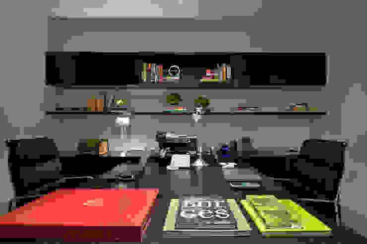 Residencia Serra dos Manacás Escritórios modernos por Manuela Senna Arquitetura e Design de Interiores Moderno