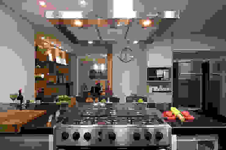 Residencia Serra dos Manacás Cozinhas modernas por Manuela Senna Arquitetura e Design de Interiores Moderno