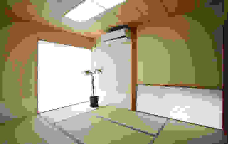 Modern style bedroom by 吉田設計+アトリエアジュール Modern