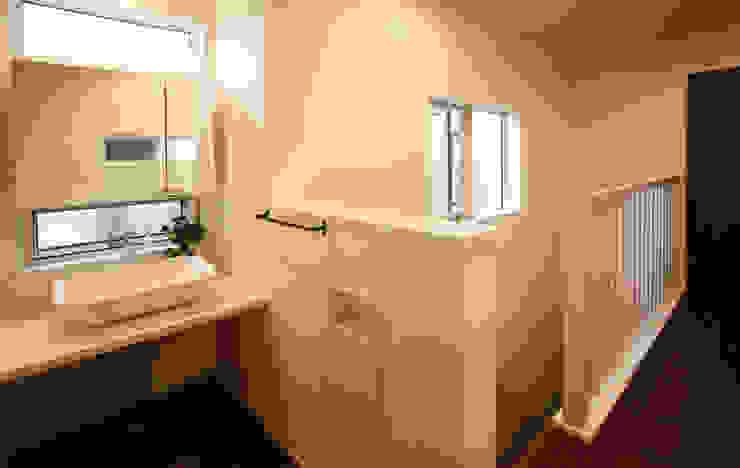Modern style bathrooms by 吉田設計+アトリエアジュール Modern