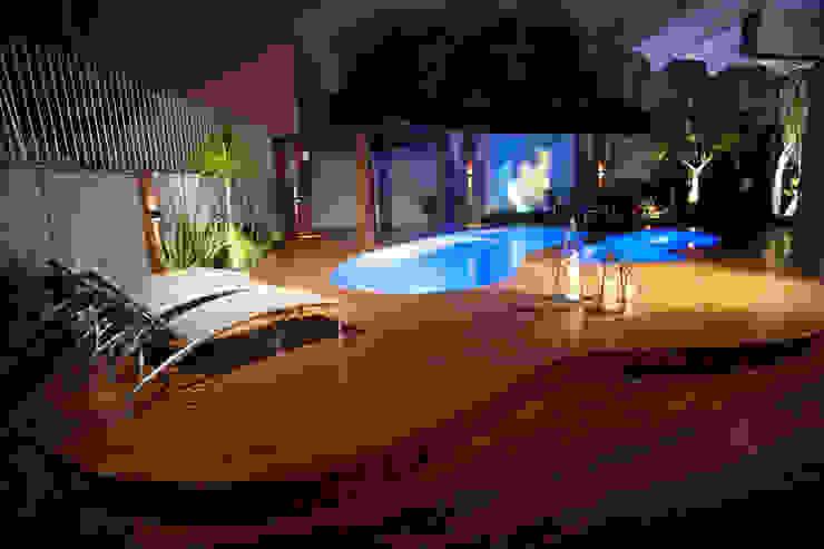 Paulinho Peres Group Modern Terrace