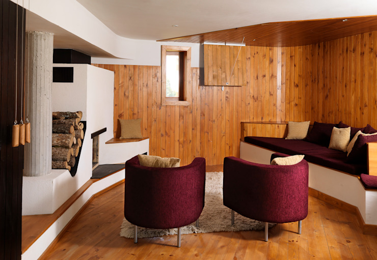 Fishing Lodge, Bulgaria Rustic style living room by Simon Gill Architects Rustic