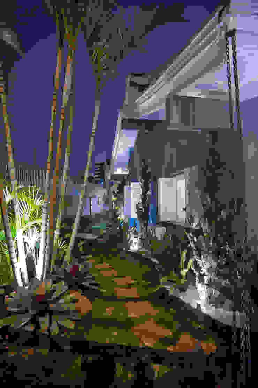Paulinho Peres Group Moderner Garten