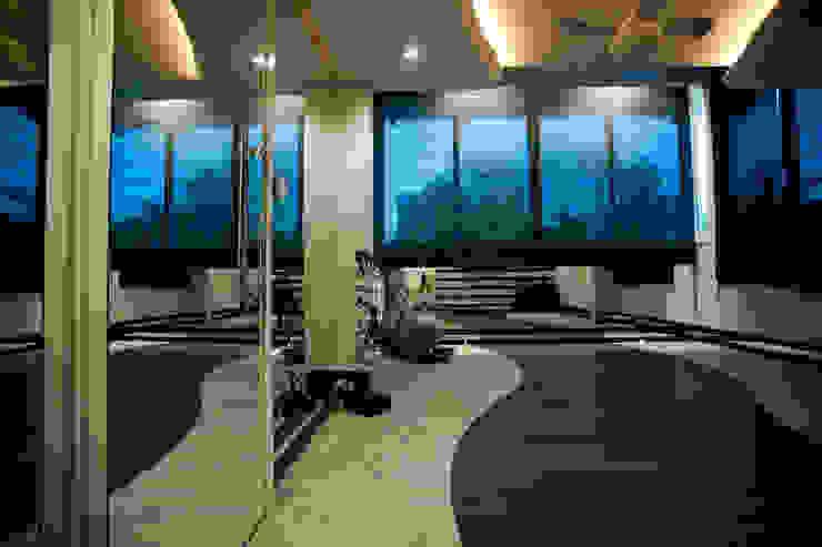 Paulinho Peres Group Moderner Fitnessraum