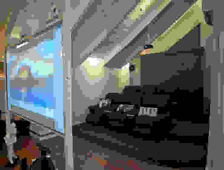 Modern Multimedya Odası Paulinho Peres Group Modern