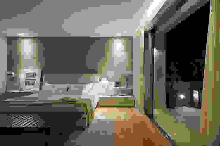 Quarto Casal Quartos modernos por Manuela Senna Arquitetura e Design de Interiores Moderno