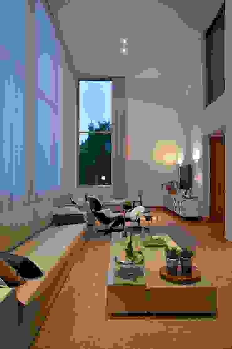 Sala Salas de estar modernas por Manuela Senna Arquitetura e Design de Interiores Moderno