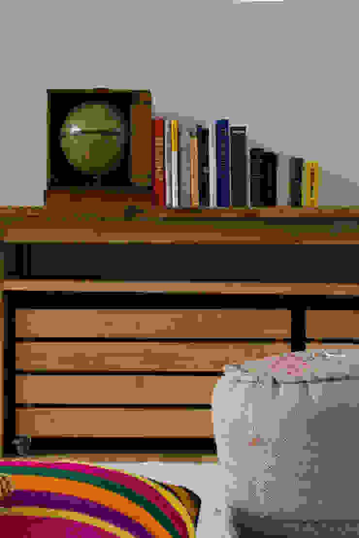Casa en la Barranca · San Isidro, Buenos Aires · Paula Herrero | Arquitectura Livings modernos: Ideas, imágenes y decoración de Paula Herrero | Arquitectura Moderno