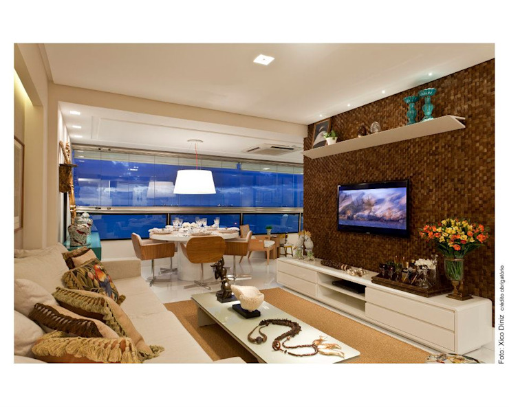 LIVING:  tropical por MA Interior Design,Tropical