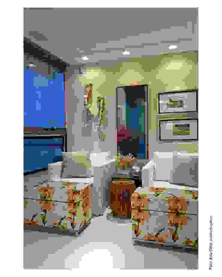 VARANDA:  tropical por MA Interior Design,Tropical