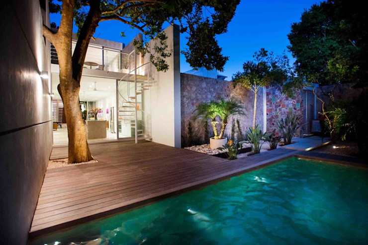 Modern Pool by HPONCE ARQUITECTOS Modern