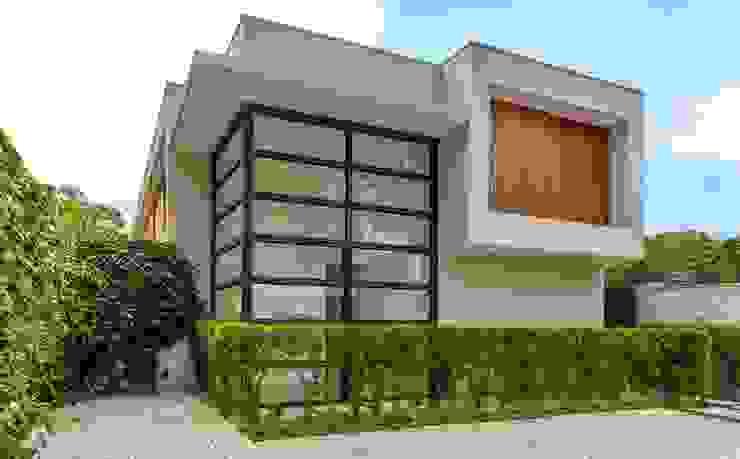 Casas estilo moderno: ideas, arquitectura e imágenes de Estúdio SB Arquitetura Moderno