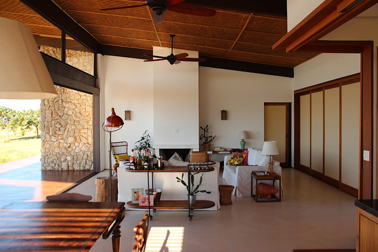 Ambienta Arquitetura Country style living room