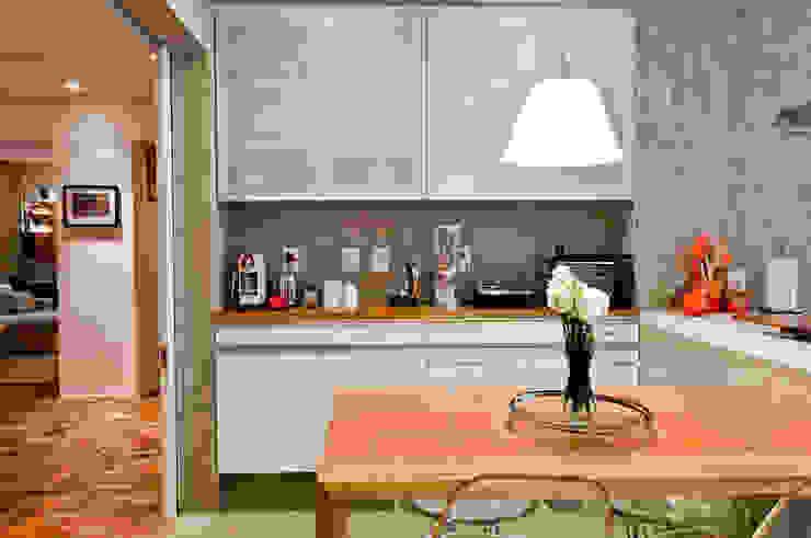 Ambienta Arquitetura Dapur Modern