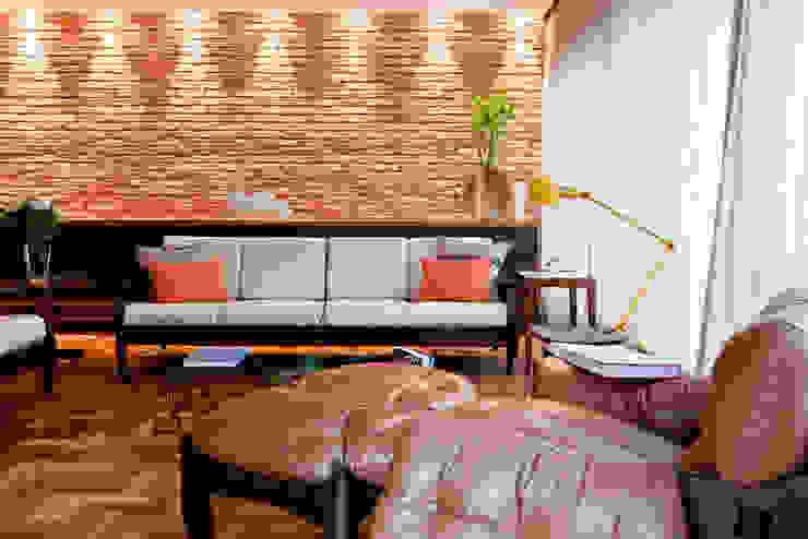 PROJETO APARTAMENTO PINHEIROS CRF Salas de estar modernas por Ambienta Arquitetura Moderno