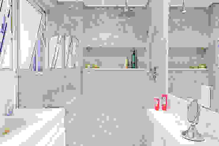 Ambienta Arquitetura Modern bathroom