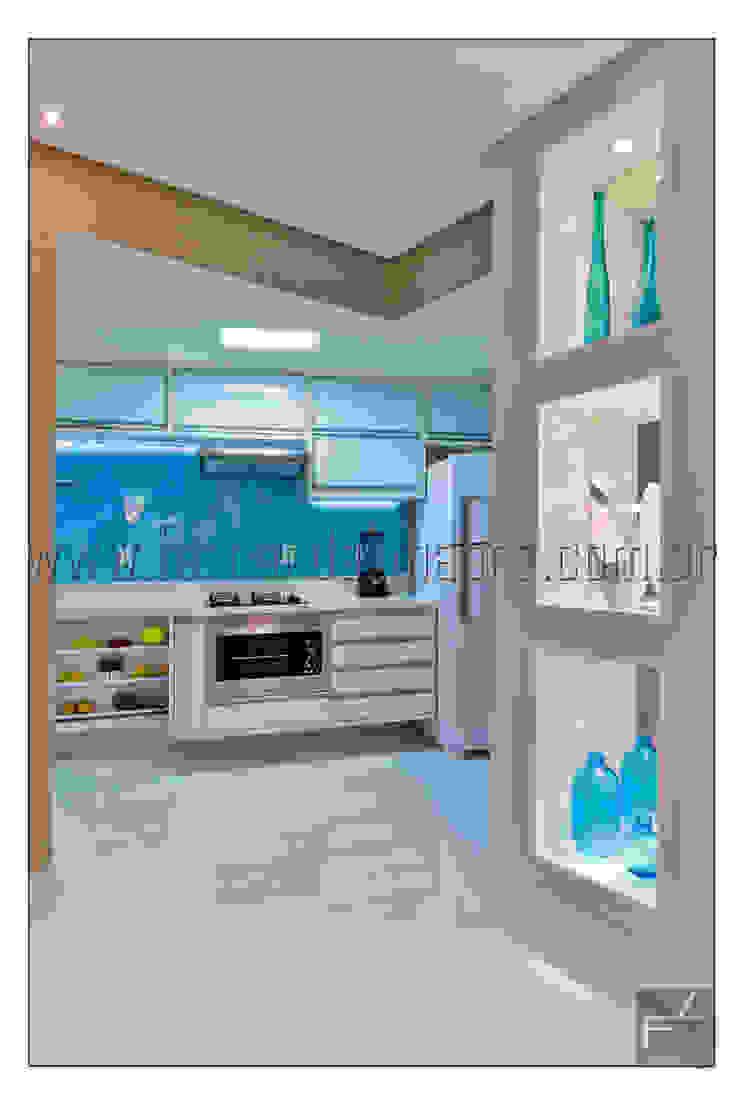 PITUBA PRIVILLEGE Cozinhas modernas por FERNANDA LIMA Moderno