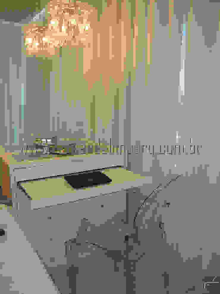 PITUBA PRIVILLEGE Quartos modernos por FERNANDA LIMA Moderno