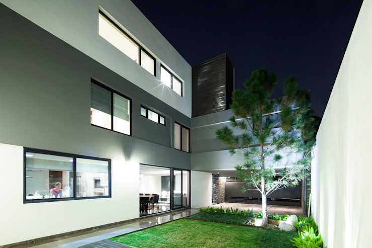 Jardines de estilo moderno de NODO Arquitectura Moderno