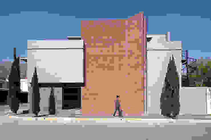 Casas modernas por NODO Arquitectura Moderno