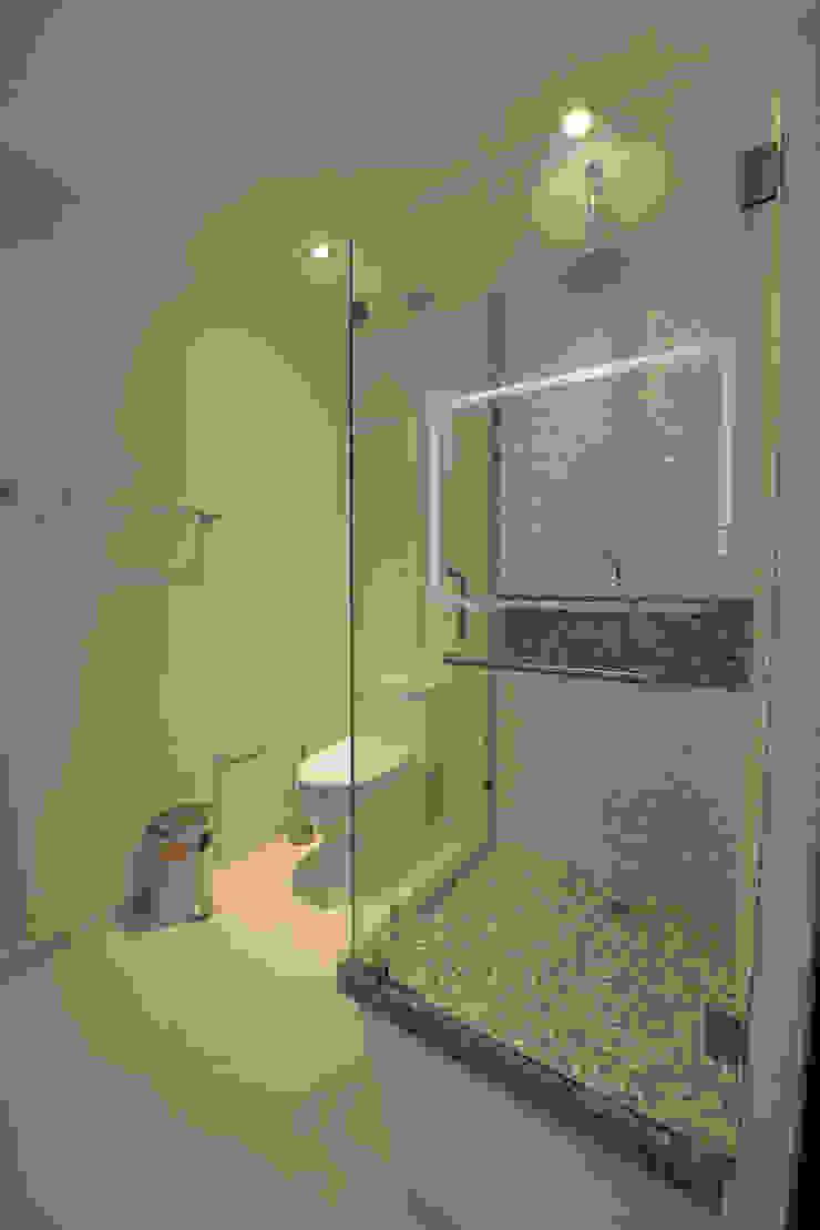 Baño Principal Baños modernos de ESTUDIO TANGUMA Moderno Azulejos