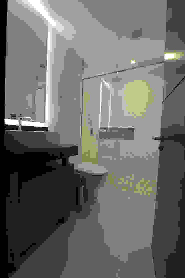 BOSQUES Baños modernos de ESTUDIO TANGUMA Moderno