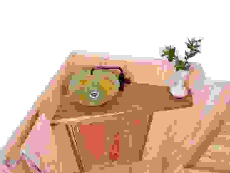 青銅色の手洗いと製作の木のカウンター モダンスタイルの お風呂 の T設計室一級建築士事務所/tsekkei モダン 木 木目調