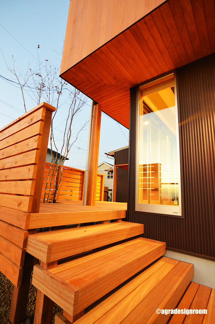 アグラ設計室一級建築士事務所 agra design room Balcone, Veranda & Terrazza in stile moderno