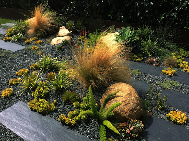 PEDRA-LBES: Jardines de estilo  de Simbiosi Estudi, Mediterráneo