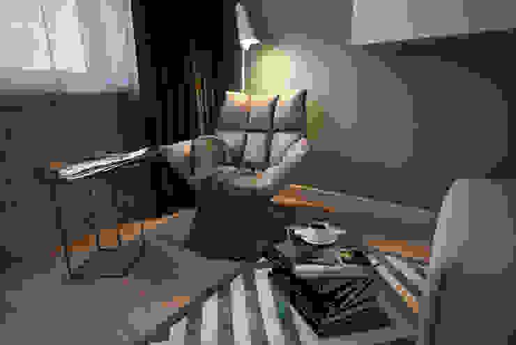Living room by Алена Булатая, Modern