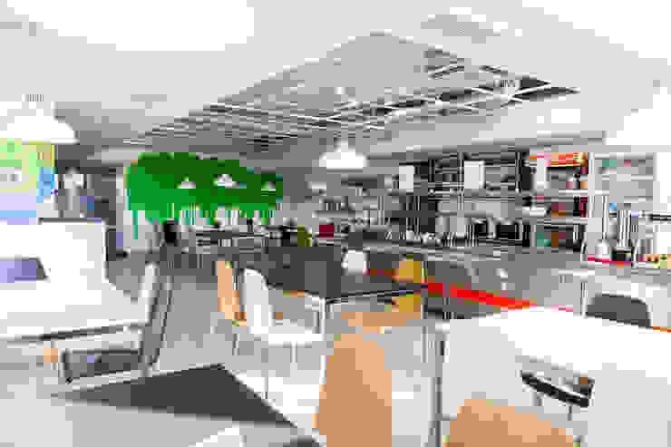 Cafe Bono (EPAM Systems) Рабочий кабинет в стиле модерн от Алена Булатая Модерн