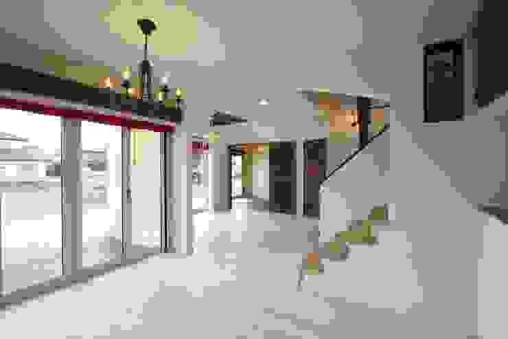 ■ Cote d'Azur Style・コートダジュールスタイル 地中海デザインの 多目的室 の 株式会社アートカフェ 地中海
