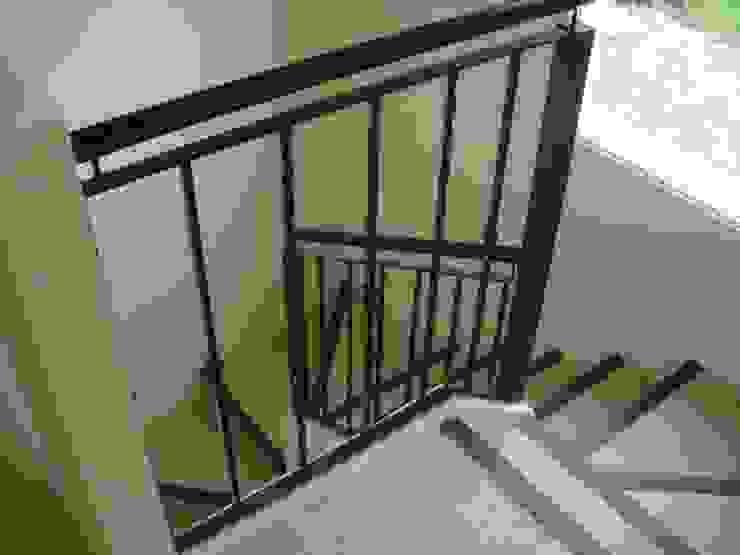 Коридор, прихожая и лестница в классическом стиле от Grupo PZ Классический