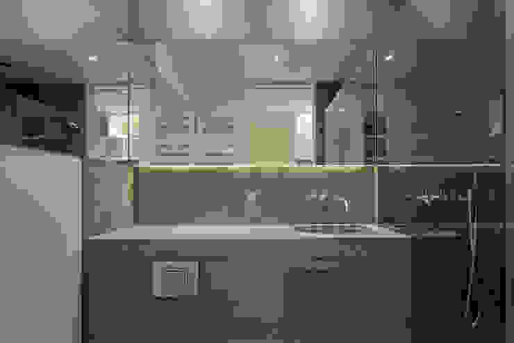 Pond Street Belsize Architects Modern bathroom