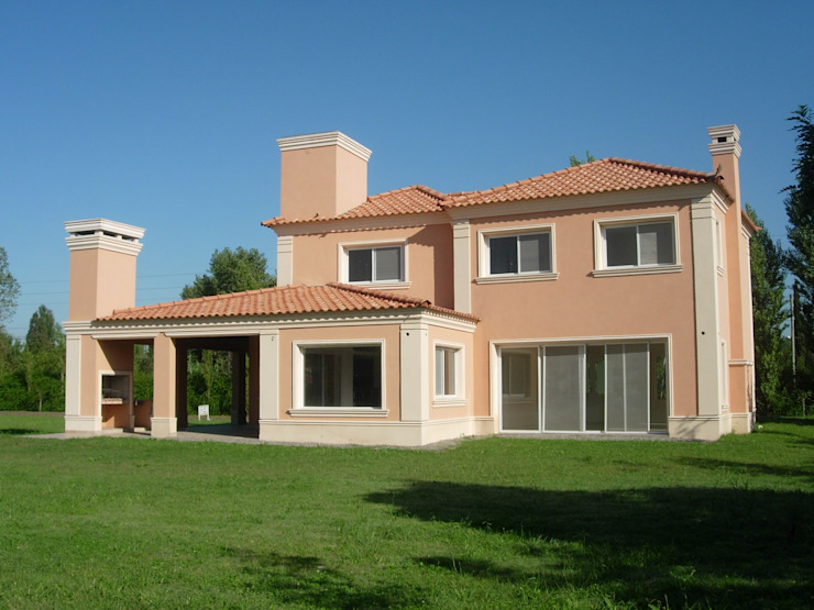 Classic style houses by Grupo PZ Classic