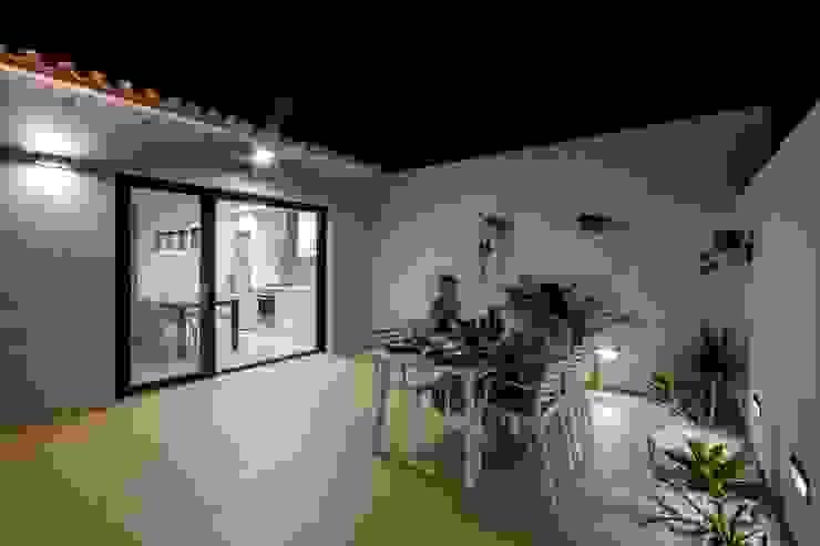 Comedores de estilo  por Selecta HOME, Moderno