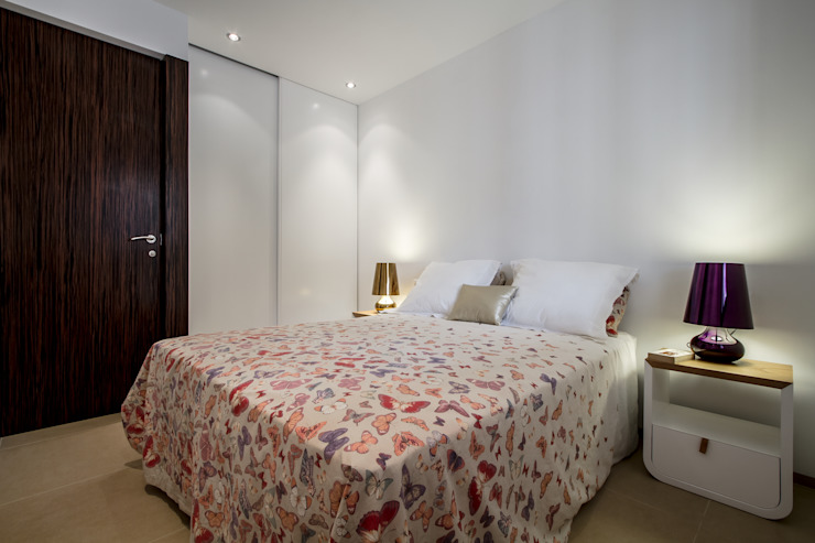 Modern style bedroom by Selecta HOME Modern