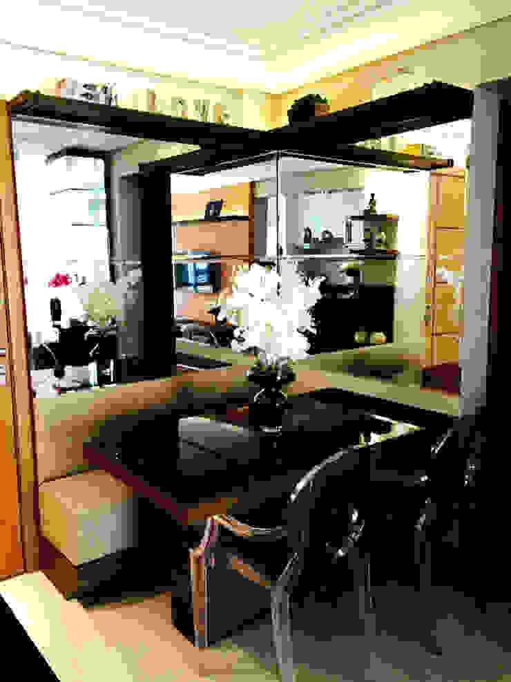 โดย Suelen Kuss Arquitetura e Interiores โมเดิร์น กระจกและแก้ว