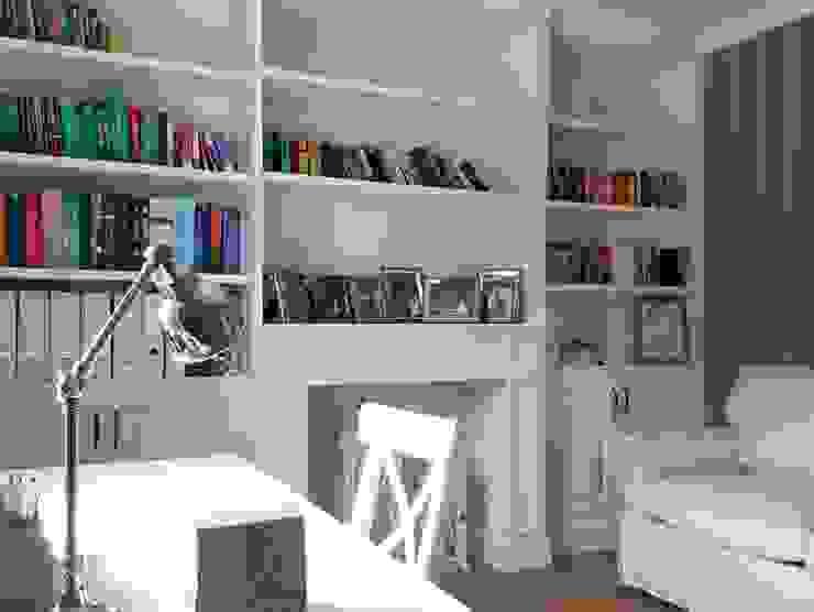 Oficinas y bibliotecas de estilo rural de Grzegorz Popiołek Projektowanie Wnętrz Rural