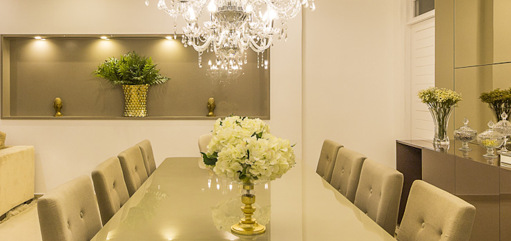 Dining room by Lyssandro Silveira,