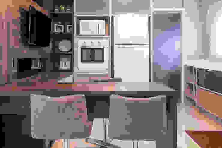 Cozinha Integrada Cozinhas clássicas por Camila Chalon Arquitetura Clássico