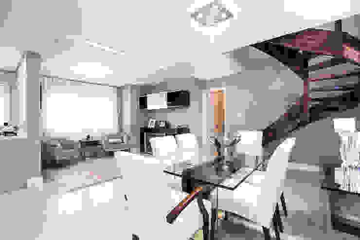 Sala de Jantar , estar e bar integrados Salas de jantar clássicas por Camila Chalon Arquitetura Clássico