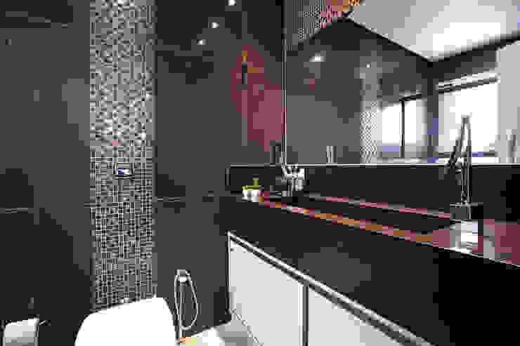 Banheiro Suíte Banheiros clássicos por Camila Chalon Arquitetura Clássico