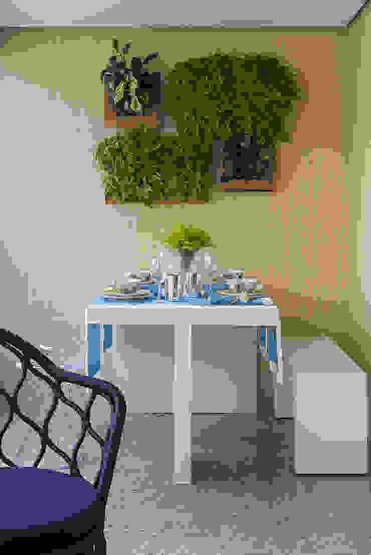 Apartamento RM Varandas, alpendres e terraços modernos por Flavia Sa Arquitetura Moderno