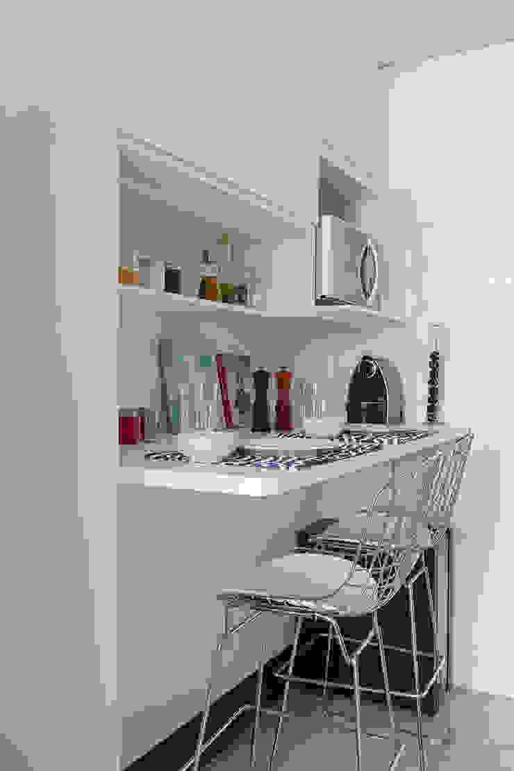 Apartamento RM Cozinhas modernas por Flavia Sa Arquitetura Moderno