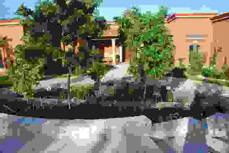 Vista Posterior Jardin de Acceso Jardines clásicos de Terra Clásico
